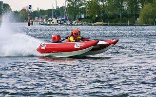 Thundercat-Racing Wassersport #3 - Thundercat, Wassersport, schnell, waghalsig, rasant, risikobewusst, Wassersport, Power, Boot, Sportboot, Motorboot, schwimmen, fahren, Wasser, Wasserfahrzeug, Fahrzeug, Antrieb, Freizeit, Freizeitsport, nass, Spass, Welle, Geschwindigkeit, Spritzer, Race, racing, Motorbootsport, Rennboot, Rennen, speed, Katamaran, Schlauchboot