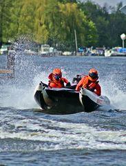 Thundercat-Racing Wassersport #1 - Thundercat, Wassersport, schnell, waghalsig, rasant, risikobewusst, Wassersport, Power, Boot, Sportboot, Motorboot, schwimmen, fahren, Wasser, Wasserfahrzeug, Fahrzeug, Antrieb, Freizeit, Freizeitsport, nass, Spass, Welle, Geschwindigkeit, Spritzer, Race, racing, Motorbootsport, Rennboot, Rennen, speed, Katamaran, Schlauchboot