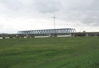 Eisenbahnbrücke über die Elbe nördlich von Tangermünde #1 - Eisenbahn, Brücke, Elbe