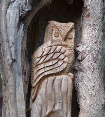 Eule #1 - Uhu, Eule, Vogel, Wildtiere in Europa, Greifvogel, Raubvogel, nachtaktiv, Holzfigur, Holzplastik, Plastik, Schnitzerei, schnitzen, Kunsthandwerk, Holz