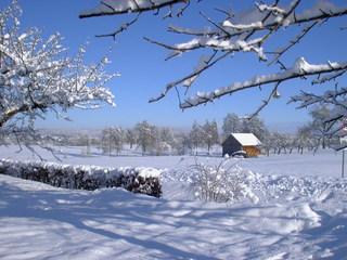 Hütte im Schnee - Winter, Schnee, Landschaft, Hütte