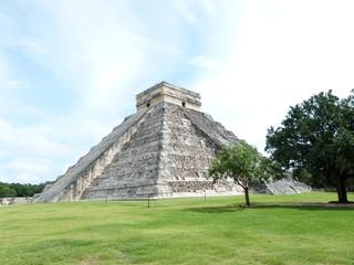 Maya Pyramide - Pyramide, Mexiko, Yucatan, Maya, Chichén Itzá, Ruinenstätte, Kukulcán-Pyramide, Weltkulturerbe, Sakralbau