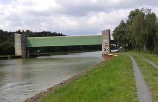 Elbe-Seiten-Kanal: Sicherheitstor bei Wieren - Elbe-Seiten-Kanal, Kanal, Wasserstraße, Sperre, Sicherheitstor, Bundeswasserstraße, Binnenschifffahrtskanal, Mittellandkanal