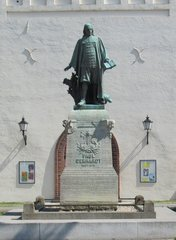 Paul Gerhardt (1607-1676) - Statue in Lübben - Paul Gerhardt, Statue, Skulptur, Kirche Religion, Kirchenlied, Musiker, Musik, Dichter, Lyriker, Luther, Reformation