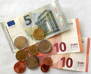 Euro 31,57 - Geld, Münzen, Münze, Scheine, Schein, Geldschein, Zahlen, bezahlen, Euro, Summe, Wechselgeld, wechseln, Währung, Daf