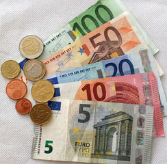 Euro 188,86 - Geld, Münzen, Münze, Scheine, Schein, Geldschein, Zahlen, bezahlen, Euro, Summe, Wechselgeld, wechseln, Währung, Daf