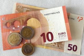 Euro 65,00 - Geld, Münzen, Münze, Scheine, Schein, Geldschein, Zahlen, bezahlen, Euro, Summe, Wechselgeld, wechseln, Währung, fünfundsechzig, zwei, eins, fünfzig, zehn, Daf