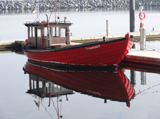 Fischerboot Spiegelung 2 - Boot, Fischerboot, Meer, Ostsee, Spiegelung