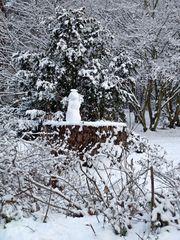 Winterbild mit Schneemann - Winter, Schnee, kalt, Schneemann, bauen, Schneekugel, Schneefigur, Eis, Jahreszeit Winterfreuden, Figur, schneebedeckt, verschneit