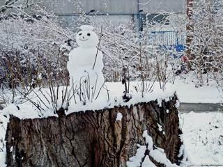 Schneemann - Winter, Schnee, kalt, Schneemann, bauen, Schneekugel, Schneefigur, lächeln, Eis, Jahreszeit, Winterfreuden, Figur, schneebedeckt