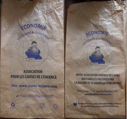 Papiertüte - sachet, papier, association, solidarité, don, maladie, handicap, enfance, économie solidaire, citoyen, citoyenne