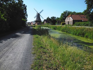 Fehnkultur - Fehn, Moor, Kanal, Entwässerung, Lebensraum, Mühle, Ostfriesland, Abtorfung, Torf, Verkehrsweg