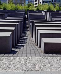 Berlin Holocaust-Mahnmal #1 - Mahnmal, Stelen, Quader, Gassen, Juden, Berlin, Architektur, Holocaust, Steinblock, Denkmal, Judenvernichtung, Nationalsozialismus, Geschichte