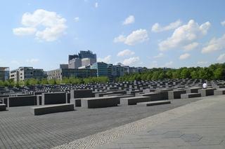 Berlin Holocaust-Mahnmal #2 - Mahnmal, Stelen, Quader, Gassen, Juden, Berlin, Architektur, Holocaust, Steinblock, Denkmal, Judenvernichtung, Nationalsozialismus, Geschichte