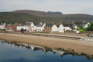 Ullapool 1 - Hafen, Ullapool, Schottland, Hafen, Häuser, Überfahrt, Hebriden, Lewis, spiegeln, Spiegelung