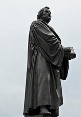 Martin Luther Denkmal, Dresden - Martin Luther, Denkmal, Dresden, Reformator, Reformation, Kirche, Religion, Kunst, Bibelübersetzung, Protestant, evangelische Kirche, Augustinermönch, Theologieprofessor