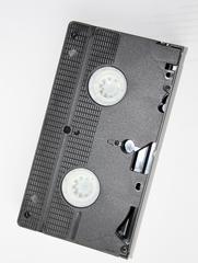 Videokassette - Video, Medium, Medien, Musik, Aufzeichnung, Tonsignale, technisch, Technik, Magnetband, Kassette, Tonträger, elektromagnetisch, abspielen, Recorder, Datenspeicherung, Videoband