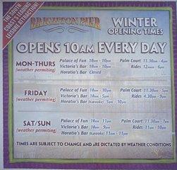 Brighton Pier - Winter Opening Hours - England, Brighton, Sightseeing, Infomationen entnehmen, Informationstafel, Sprechanlass