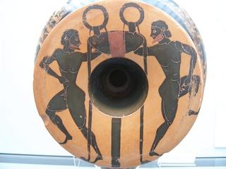 Unterseite einer attischen Trinkschale mit Athleten - Griechenland, Griechen, Antike, Trinkschale, Athleten, Sport, Keramik, Kunst, Malerei, Kunstgewerbe