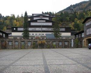 Goslar Rammelsberg Besucherbergwerk Außenansicht - Rammelsberg, Besucherbergwerk, Bergwerk, Erzförderung, Museum, Bergwerksmuseum, Förderturm, Gebäude