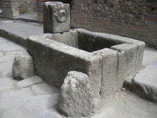 Pompeji - Brunnen - Brunnen, Antike, Italien, Pompeji, alt, Vesuv, Römer, Wasser, Wasserstelle, Laufbrunnen