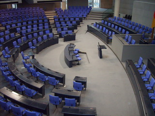 Plenarsaal - Plenarsaal, Berlin, Regierung, leere Stühle, Deutscher Bundestag