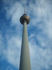 Fernsehturm Berlin - Fernsehturm, Sendeanlage, Berlin, Himmel, Untersicht, Perspektive, hoch, Kugel