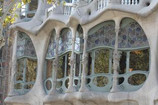 Casa Batlló - Frontdetail - Gaudí, Barcelona, Modernismo, Eixample, Gebäude, Modernismus, Modernisme Català, Katalonien, Jugendstil, Art nouveau, Architektur, florales Ornament