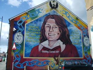 Nordirland - Belfast, katholischer Bezirk, Wandbild - Bobby Sands, Hungerstriker