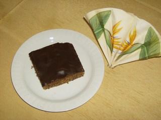 Schokoladenbrot - Blechkuchen, Schokolade, Schokoladenguss, Rührmasse, Nüsse, Kuchen, Kuchenstück