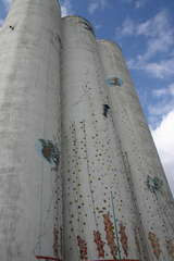 Klettern am Silo - Klettern, Sport, Touristen, Attraktion, Urlaub, Silo, Fehmarn, Graffiti, hoch, Zylinder, Volumen, Oberfläche
