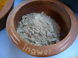 Curry herstellen#4 - Ingwer gemahlen - Ingwer, Ingwerpulver, Gewürz, Curry, Gewürzmischung, Ginger, Honigkuchen, Ayurveda, Curry-Herstellung