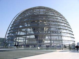 Reichstagskuppel - Reichstag, Berlin, Kuppel, Sir Norman Foster, Architekt, Regierungsgebäude, transparent, begehbar, Dach, Hauptstadt, Konstruktion, Stahl, Glas, Verstrebungen, Gerüst