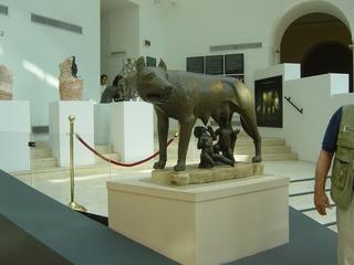 Römische Wölfin - Rom, römisch, Wölfin, Statue, Gründungsmythos, Sage, Mythologie, Romulus, Remus, Gründung Roms, säugen, 753 vor Christus