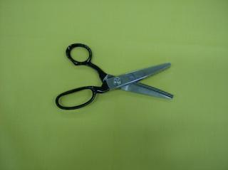 Zackenschere - Werkzeug, Nähutensil, Ausfransen, schneiden, Kanten, zackig, Stoff, versäubern, Randversäuberung, Schere, Zackenschere