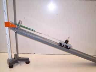 Versuchsaufbau Schiefe Ebene - Physik, Mechanik, Einfache Maschine, Schiefe Ebene, Kraft