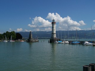 Hafeneinfahrt von Lindau - Lindau, Leuchtturm, Bodensee, Hafeneinfahrt, bayerischer Löwe, Dreiländereck, Deutschland