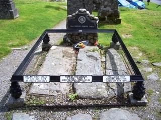 Familiengrab Rob Roy Mc Gregor - Rob Roy, Clan, Schottland, McGregor, Clanführer, Volksheld, Geächteter, Freibeuter, Grab, Friedhof, Grabstein