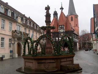 Osterbrunnen - Ostern, Ostereier, Osterbräuche, Osterbrunnen, Tradition