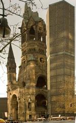 Kaiser-Wilhelm-Gedächtniskirche Berlin - Kirche, Berlin, Gedächtniskirche, Hohler Zahn, Kaiser-Wilhelm-Gedächtnis-Kirche, Kontrast, Ruine