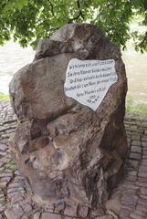 Weserstein 2 - Weser, Werra, Fulda, Weserstein, Hann Münden, Gedenkstein, Süßwasserquarzit, Weserspitze, Fluss, Wasserstraße