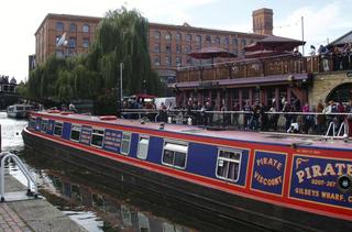 Camden Lock - Narrow Boat - London, Camden Lock, Narrow Boat, Schleuse