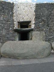 Newgrange Eingang mit