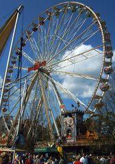 Riesenrad auf dem Baumblütenfest in Werder (Havel) - Riesenrad Moulin Rouge, Fahrgeschäft, Volksfest, Stahlkonstruktion, Riesenrad, Kreis, Radius, Durchmesser