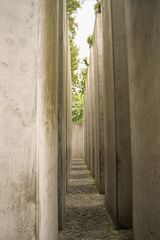 Im Garten des Exils 2 - Exil, Steinquader, Liebeskind, Juden, jüdisches Museum, Holocaust, Berlin