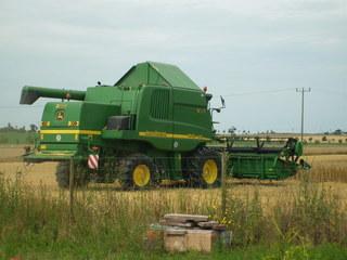 Mähdrescher #2 - Feld, Sommer, Getreide, Maschine, Mähdrescher, Feldarbeit, Bauer, Ernte, Stroh, Körner