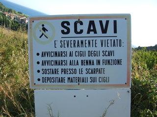 Warnhinweis - scavi, Warnung, Italien, italienisch