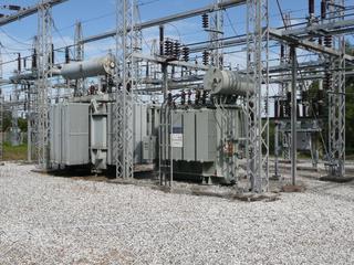 Transformator #1 - Physik, Spule, Magnetfeld, Transformator, Trafo, Umspannwerk, Spannung, Elektrizität, Elektromagnetismus, Stromnetz, Energie, Kraftwerk