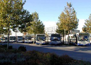 Busse - Verkehr, Busse, Busbahnhof, Bahnhof, Bus