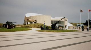 Museum in der Normandie - Museum, Musée, Mémorial, Frankreich, Normandie, Küste, Invasion, Invasionsküste, Panzer, Gedenkstätte, Arromanches, II Weltkrieg, Krieg, 1944